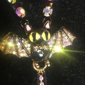 Betsy Johnson bay necklace